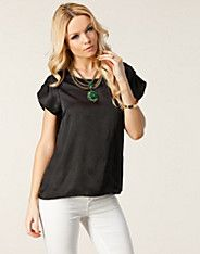 Entra Top - Vero Moda - Black - Tops - Clothing - NELLY.COM UK
