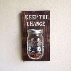 Garder le pot de changement suspendus changement par AmysReclaimed #MiniSolarLightsForCrafts Mini Solar Lights, Solar Patio Lights, Mason Jar Solar Lights, Solar Light Crafts, Patio String Lights, Patio Lighting, Solar House Numbers, Pots, Change Jar