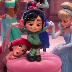 Phenolp Walt Disney Pixar, Walt Disney Animation, Disney Marvel, Disney And Dreamworks, Disney Movies, Wallpaper Iphone Disney, Cute Disney Wallpaper, Disney Art Style, Vanellope Y Ralph
