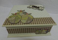 Caixa em MDF Porta Chá decorada com recorte laser e papel para scrap decor Litocart.