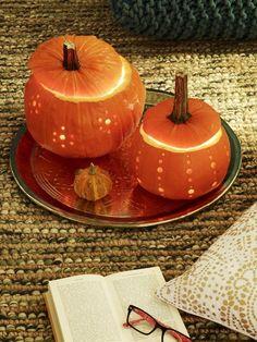 Kürbisse sind die Wahrzeichen des Herbstes. Wir haben 6 einfache Deko-Ideen für Sie, mit denen Sie die Gewächse noch herbstlicher