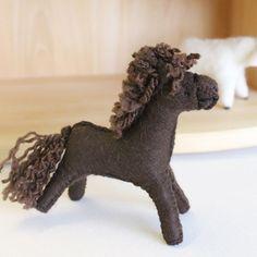 Gluckskafer felt horse - dark brown by Gluckskafer - Cottontails