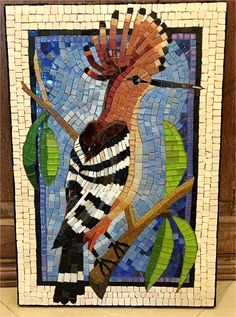 Mosaic bird Mosaic Garden Art, Mosaic Tile Art, Stone Mosaic, Mosaic Glass, Glass Art, Mosaic Animals, Mosaic Birds, Mosaic Projects, Stained Glass Projects