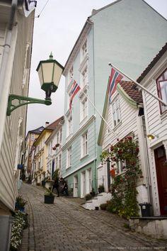 Strangebakken street in Bergen, Norway Bergen, Norway Viking, Norway Oslo, Great Places, Beautiful Places, Places To Travel, Places To Visit, Rivers And Roads, Best Cities