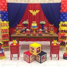 LOCAÇÃO FEST MULHER MARAVILHA - ITENS DECORATIVOS (46 ITENS) no Elo7 | PIC ZOOM FESTAS (C41CA5) Wonder Woman Birthday, Wonder Woman Party, 1st Birthday Party For Girls, Baby Birthday, Balloon Decorations, Birthday Decorations, Birthday Display, Winter Onederland, Superhero Party
