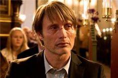 'Jagten'. Den 46-årige danske skuespiller spås gode chancer for at få en pris i Cannes. Det skal dog med, at Thomas Vinterbergs film med Mikkelsen i hovedrollen først får premiere på lørdag. - Foto: © Framegrab