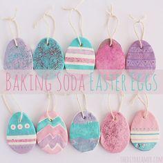 Baking Soda Easter Eggs from the diydreamer