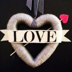 {Bow and Arrow} Valentine Wreath Tutorial