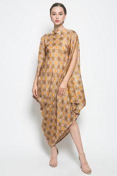 Areum Dress by Kayen Kaftan Batik, Batik Dress, Pakistani Dress Design, Pakistani Dresses, How To Make Clothes, Making Clothes, Model Kebaya, Batik Fashion, Long Vests