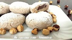 I nocciolotti sono dei deliziosi dolcetti con un goloso cuore alla nutella!