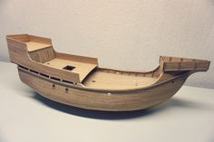Making the officer's cabin, the bow and stern Pirate Ships, Model Ships, Santa Maria, Outdoor Furniture, Outdoor Decor, Sun Lounger, Bow, Cabin, Wooden Ship