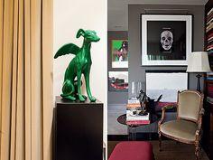 Escritório | Criada pelo  arquiteto Nelson Kabarite, a escultura de um galgo alado chama atenção no ambiente (Foto: Lufe Gomes/Casa e Jardim...