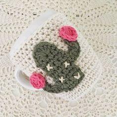 Crochet Cactus, Coffee Cozy, Crochet Designs, First Birthdays, Cross Stitch, Cozies, Knitting, Elsa, Kids