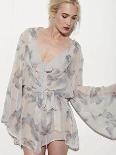 Dove short robe by Beautiful Bottoms Dressing, Peignoir, Lingerie Models, Sexy Lingerie, Kimono Fashion, Passion For Fashion, Lounge Wear, Fashion Beauty, Diy Fashion