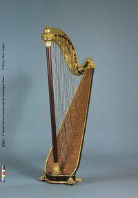 Pleyel chromatic harp. 78 strings. Rosewood soundbox. France, 1900 ca.