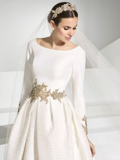Modest Wedding Gowns, Dream Wedding Dresses, Designer Wedding Dresses, Bridal Dresses, Pretty Prom Dresses, Simple Dresses, Beautiful Dresses, Asian Wedding Dress Pakistani, Wedding Dress Cake