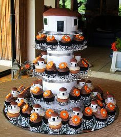 African Traditional Wedding, Traditional Wedding Cakes, Traditional Cakes, African Wedding Cakes, African Wedding Dress, Africa Cake, African Dessert, Debut Ideas, Amazing Chocolate Cake Recipe