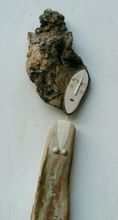 ...mais uma escultura que podemos ver a madeira/cabelos Driftwood Crafts, Seashell Crafts, Beach Crafts, Driftwood Sculpture, Sculpture Clay, Fun Crafts For Kids, Crafts To Make, Wood Carving Patterns, Wood Burning Art