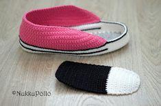 NukkuPöllö: Virkatut Marverse-tennarit OHJE Slipper Socks, Slippers, Socks And Sandals, Sunglasses Case, Boots, Fashion, Tricot, Shoes, Crotch Boots