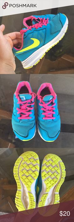 Girl Nike shoes Little girl shoes in good condition Nike Shoes Sneakers