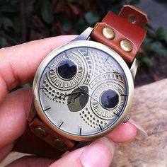 Size:Dial+Diameter+4CM+ Watchband:length:20CM+,width:1.2CM style:retro meterial:leather,copper fashion+element:Owl+pattern+dial Adjusting+the+size+of+the+hole+in+one+end+of+the+strap+bronze+screw. Moving+the+size+is+very+convenient. Handmade+by+Lisa.+Watch+Dial+is+make+of+Glass+and+Copper....
