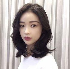 자유디자인 Asian Short Hair, Medium Short Hair, Asian Hair, Short Hair Cuts For Women, Medium Hair Styles, Long Hair Styles, Korean Short Hairstyle, Korean Haircut, Summer Hairstyles