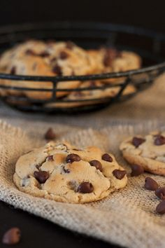 The Best Chocolate Chip Cookies Best Chocolate Chip Cookie, Chocolate Chip Cookies, Biscuit Cookies, Cake Cookies, Quick Recipes, Sweet Recipes, Cookie Recipes, Dessert Recipes, Desserts