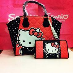 <3 hello kitty purse