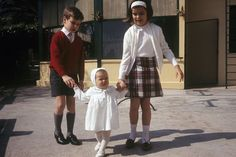 Rendezvous With Prince Rainier III Of Monaco With Family For The Centenary Of Monaco And Anniversary Of Marriage — A Monaco, en 1966 Prince Rainier, Jazmin Grace Grimaldi, Princess Grace Kelly, Princess Caroline Of Monaco, Prince Albert, Boys Short Suit, Prince Of Monaco, Ernst August, Royals