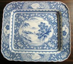 Decorative Dishes (http://www.decorativedishes.net/blue-white-chinoiserie-pictoral-detail-rectangle-tray-flat-bowl/)