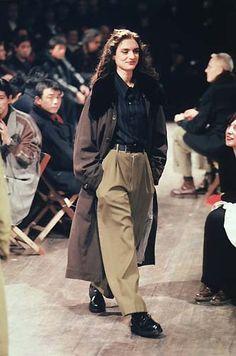 Yohji Yamamoto spring 2019 rtw - Another! 90s Fashion, Runway Fashion, High Fashion, Vintage Fashion, Fashion Outfits, Mode Queer, Tumbrl Girls, Mode Ootd, Yohji Yamamoto