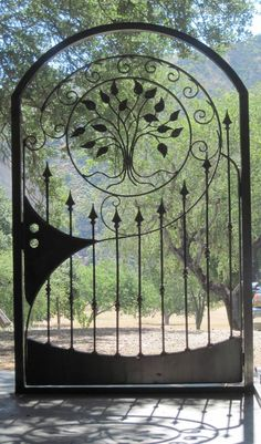Wrought iron doors are indeed a style from the past. With creativity, you can make your house look more sophisticated with the wrought iron front doors. Metal Gates, Wrought Iron Doors, Wrought Iron Fences, Metal Fence, Corrugated Metal, Tor Design, Gate Design, Garden Doors, Garden Gates