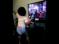 Kutim Dancing to 4th Impact (Power) with Microphone #bang2