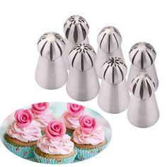 *ATENÇÃO ANTES DE ADICIONAR AO CARRINHO SELECIONE O KIT QUE VOCÊ MAIS GOSTOU* Fazer seus próprios bolos e cupcakes lindos e exclusivos, ou qualquer confeitaria é muito mais fácil com as ferramentas certas! Usando este Kit de Bicos de confeitaria artística, você pode criar uma grande variedade de flores para seus bolos de aniversário ou casamento. Basta segurar em linha reta e arrastar! Estas dicas te ajudam a fazer vestidos de princesa super cremosos, rosas, botões de rosa, margaridas, girassóis Russian Cake Decorating Tips, Cake Decorating Kits, Cake Decorating Techniques, Cupcakes Lindos, Piping Icing, Piping Bag, Buy Cake, Icing Tips, Dessert Decoration