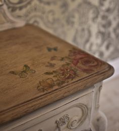 FurnituRenascence Vintage Furniture, Decorative Boxes, Crafting, Home Decor, Decoration Home, Room Decor, Crafts To Make, Crafts, Handarbeit