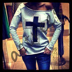 Magnificent Cross Sweatshirt wholesale price 7,5$  article # acte-004