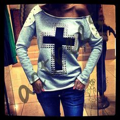 Magnificent Cross Sweatshirt wholesale price 7,5$  article # acte-004