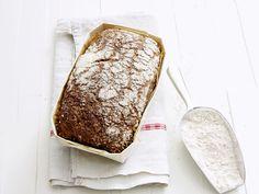 Selbst gebackenes Kastenbrot | Zeit: 1 Std. 15 Min. | http://eatsmarter.de/rezepte/kastenbrot