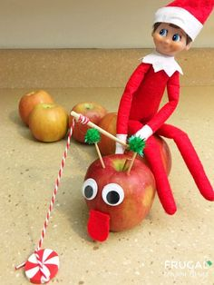Take a look at this Apple Worm - how fun is this Elf on the Shelf idea? #elf #elfdoll #elfontheshelf #elfontheshelfideas