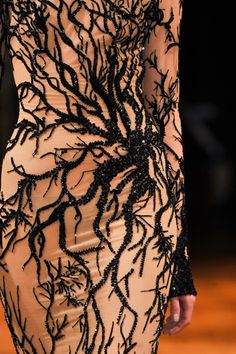 View all the detailed photos of the Zuhair Murad haute couture autumn 2013 showing at Paris fashion week. Style Couture, Couture Details, Haute Couture Fashion, Fashion Details, Fashion Design, Juicy Couture, Zuhair Murad, High Fashion, Fashion Show