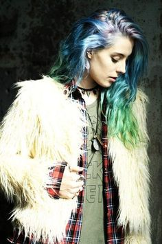IT girl Chloe Norgaard #Poplipps