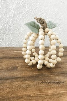 DIY Wood Beaded Farmhouse Pumpkin - DIY With My Guy Simple Fall Decor DIY Wood Beaded Farmhouse Pumpkin. Wood Bead Chandelier, Wood Bead Garland, Beaded Garland, Diy Wood Projects, Wood Crafts, Diy Crafts, Vintage Farmhouse Decor, Farmhouse Style, Modern Farmhouse