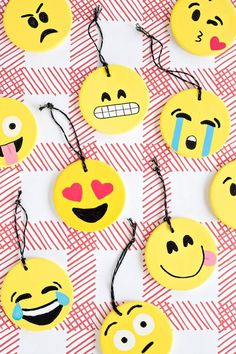 DIY Emoji Ornaments | studiodiy.com