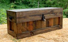 Jacobeo pecho con cerradura / esperanza pecho madera tronco / mesa de centro / almacenamiento por LooneyBinTradingCo