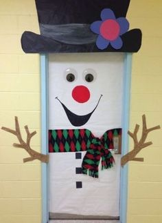 24 Popular Diy Christmas Door Decorations For Home And School. If you are looking for Diy Christmas Door Decorations For Home And School, You come to the right place. Below are the Diy Christmas Door. Diy Christmas Door Decorations, Decoration Creche, Christmas Door Decorating Contest, School Door Decorations, Christmas Crafts, Christmas Christmas, Winter Decorations, Office Christmas, School Christmas Door Decorations
