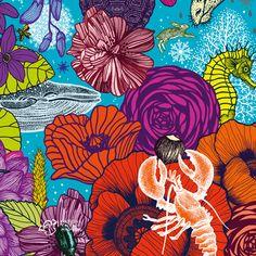 """""""Merveilleuse nature"""" un livre illustré par Michaël Cailloux et mis en verbe par Nathalie Béreau aux éditions Thierry Magnier - Sortie en librairie le 1er novembre. Michaël Cailloux, dont c'est le premier livre jeunesse, a développé des images fourmillantes de détails, à l'esthétique très proche du papier peint. Compositions, motifs, répétitions et bizarreries se croisent et s'entrecroisent. Ses illustrations invitent surtout à la rêverie."""