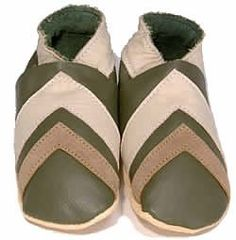 Daisy Roots Baby Shoes: Khaki Chevron (Size=L:12-18M) by littlebabyshoes. $30.00. Daisy roots from England  Daisy Roots soft leather childrens shoes are handmade in Northampton, home of English shoemaking. All Daisy Roots footwear is manufactured using environmentally friendly chrome free leather, soft suedes, and warm sheepskins in a variety of fashionable styles.  Daisy Roots Shoes Features:  Hand crafted leather shoes for babies and children up to 4 years old.    Made of C...