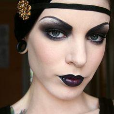 1920s makeup.