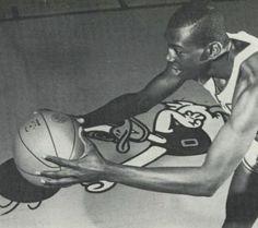 1961-62 Oregon basketball. From the 1962 Oregana (University of Oregon yearbook). www.CampusAttic.com