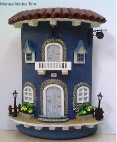 I just love these tile houses - FLORENTİNE Clay Houses, Ceramic Houses, Miniature Houses, Houses Houses, Tile Crafts, Clay Crafts, Diy And Crafts, Apple Kitchen Decor, Fairy Garden Houses
